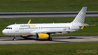 Vueling A320-232 msn 8238