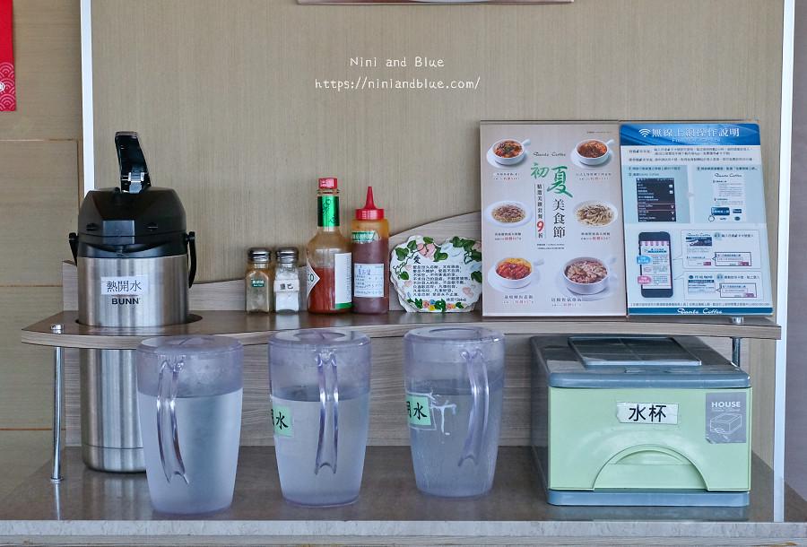 台中 梧棲 咖啡 夜景 童綜合頂樓咖啡02