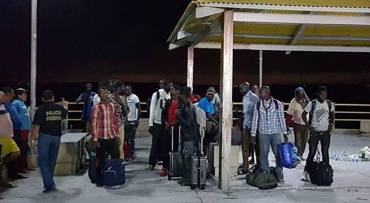 25 africanos em barco pesqueiro são resgatados no Maranhão, Imigrantes africanos resgatados no MA