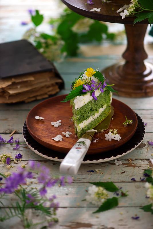 NETTLE AND LEMON CAKE WITH LEMON ICING.8