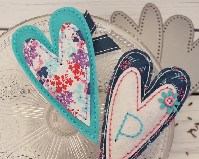 LizzieJones_StitchingAmbassador_StitchedPrimitiveHeart_LavenderSachets_Front&Back