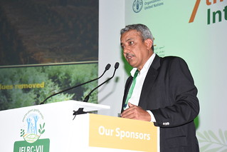 Mon, 05/07/2018 - 11:58 - Ravi Gopal Singh, CIMMYT, presenting on food legumes and Conservation Agriculture for sustainable cereal systems.