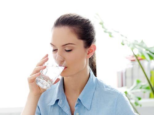 Rahasia Cepat Bakar Kalori Hanya Dengan Minum Air Putih