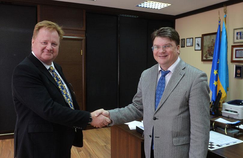 Майкл Джон Фогго и министр молодежи и спорта Игорь Жданов
