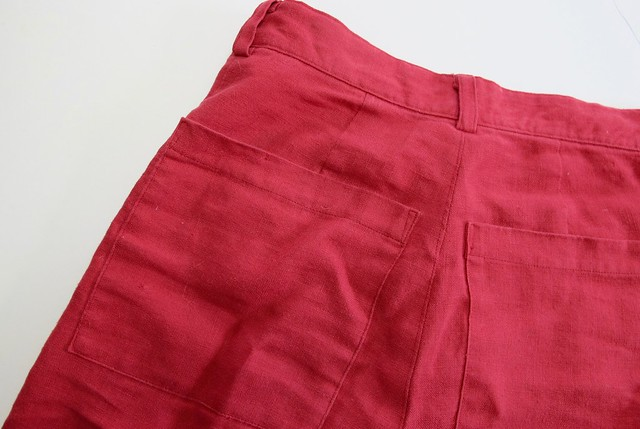 Lander pants in red linen