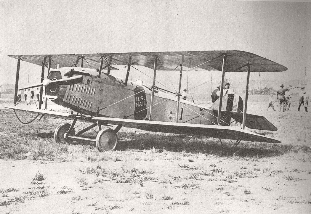 JR-1B mail airplane designed by the Standard Aircraft Corporation, December 31, 1918.