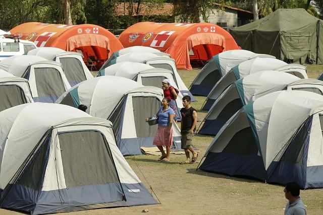 Verificación de atención a las familias afectadas por el enjambre sísmico.