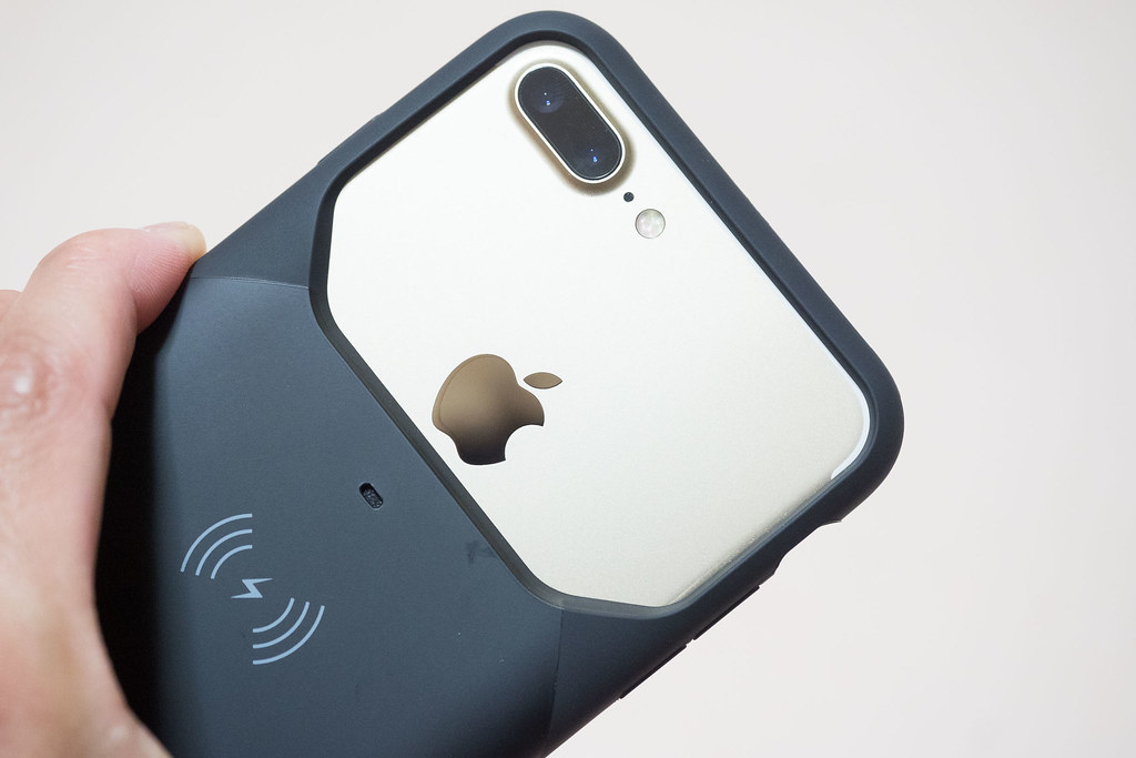 aircharge_iPhone_case-10