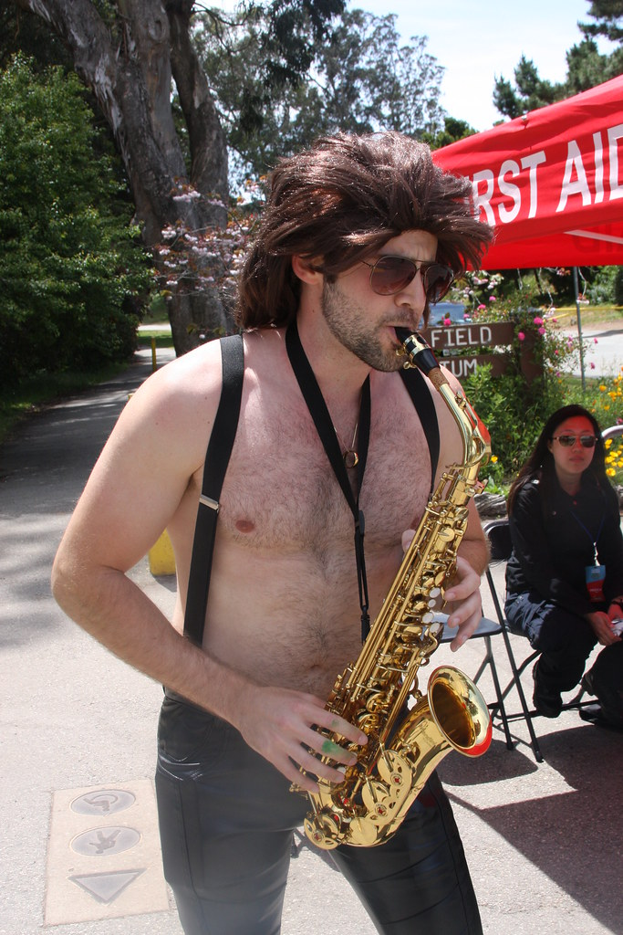 SEXY SAX HUNK ! BAY TO BREAKERS 2018 ! ( safe photo )