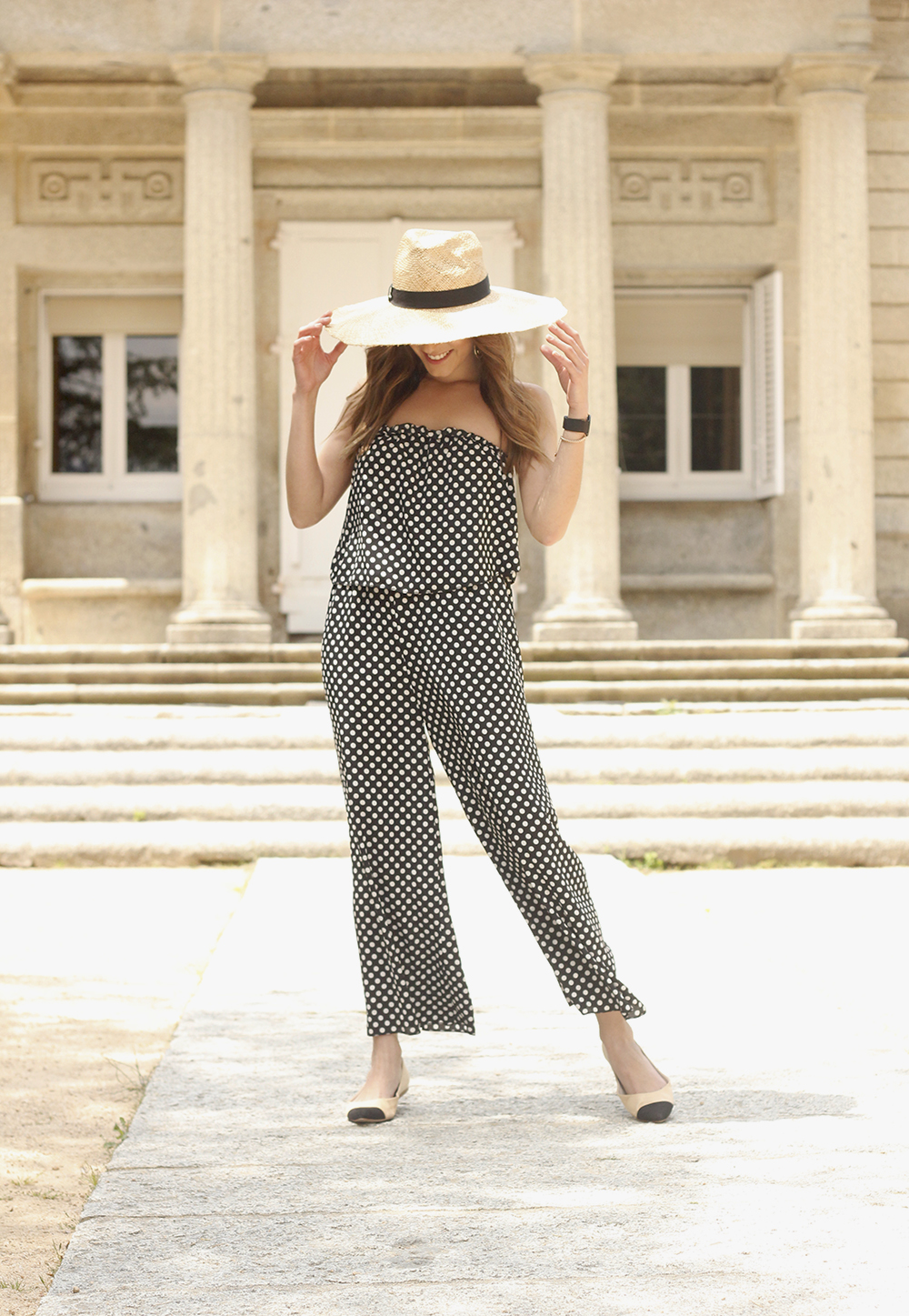 polka dot jumpsuit straw hat flat shoes street style spring outfit 201802