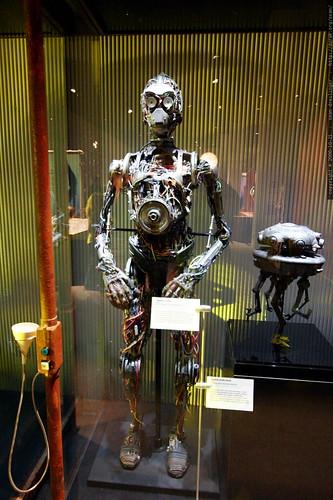 unfinished c3po skeleton    MG 2622