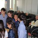 Alumnos de la Escuela Aurora de Chile Realiza Visita Solidaria a Hogar de Ancianos.