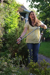 Canon EOS 60D - Lisa in the Garden with the flame-thrower!
