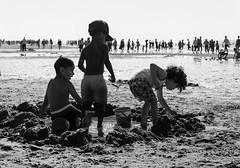 children games on the beach