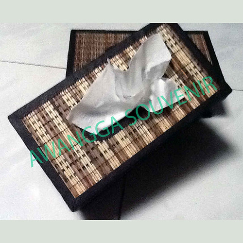 kotak tisu plismit besar