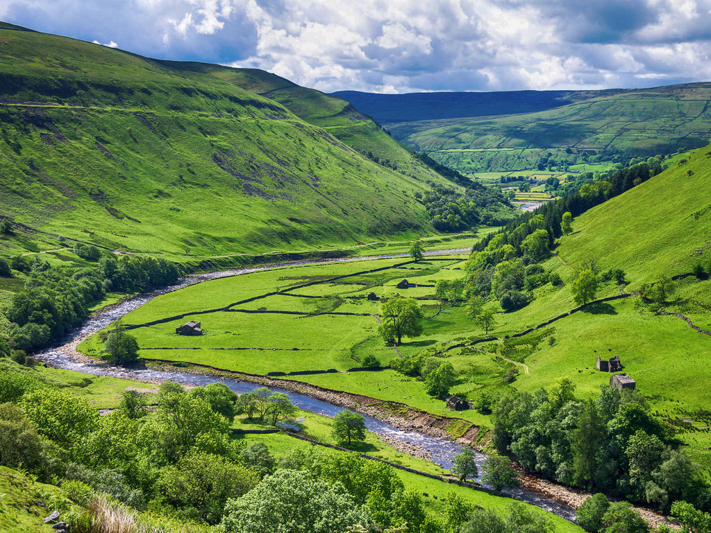 View from a footpath along the River Swale in the Yorkshire Dales. Credit Bob Radlinski