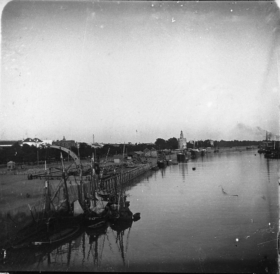 Севилья.  Река Гвадалквивир