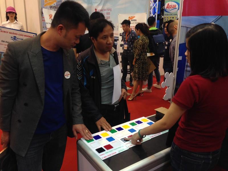 Bảng màu Mica Đài Loan giới thiệu tại Hội chợ triển lãm