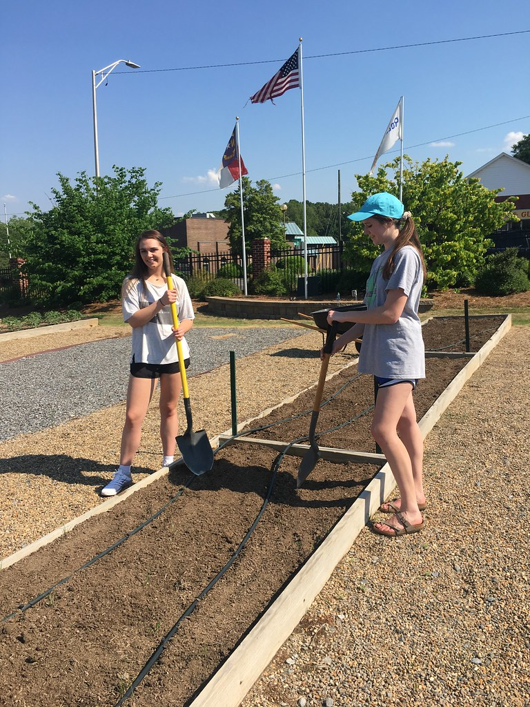 GCS Interact Club working at Community Garden
