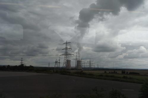 20100902 192 Jakobus Heimfahrt Kraftwerk Strommast Rauch Wolken