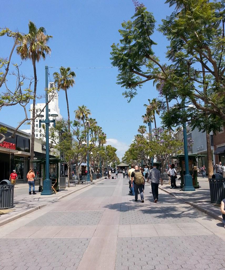 Santa Monica Promenade 5-15