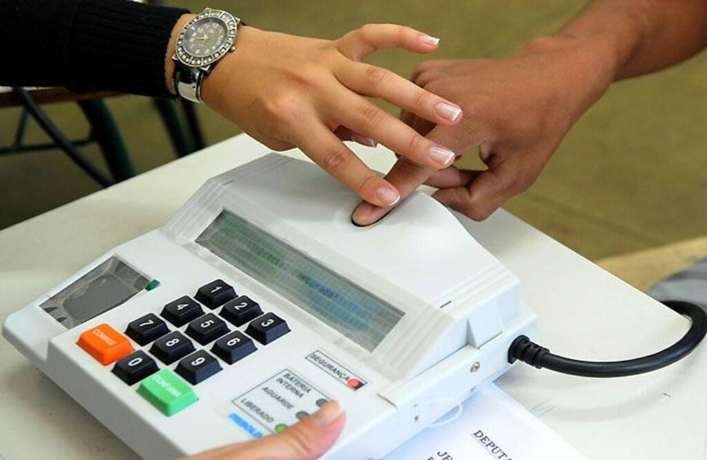 Covid-19 levará TSE a excluir identificação biométrica no dia da votação