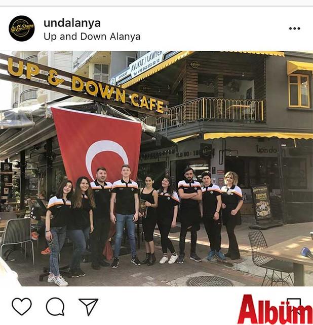 Up And Down Kafe'nin sahibi Cihat Doğan ve ekip arkadaşları, Alanyaspor'a destek için hep birlikte bu fotoğrafı paylaştı.