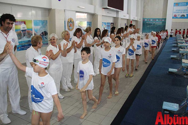 23 Nisan Çocuklar Alanya yüzme yarışı -2