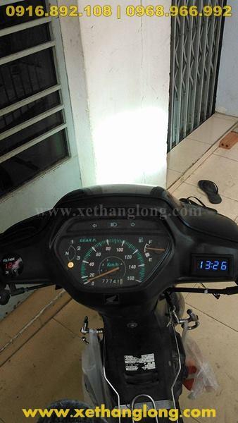 Đồng hồ đo volt bình gắn lên xe Honda Wave