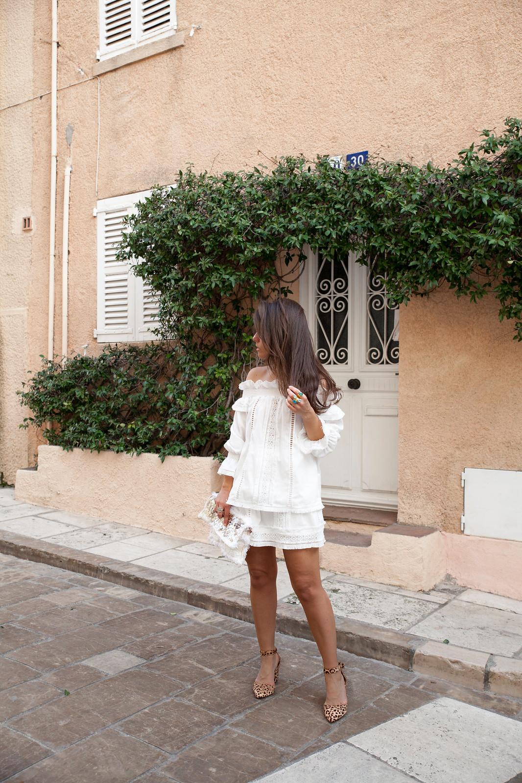 outfit blanco de Highly Preppy