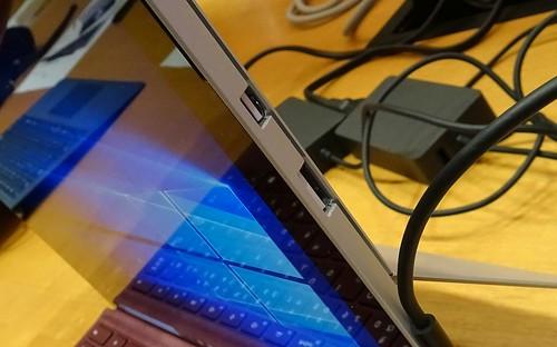 SIMが挿せるハイエンドタブレット