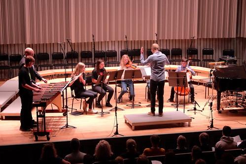 Ensemblen från Kulturskolan uruppförde Molly Telemans Hope is the thing with feathers