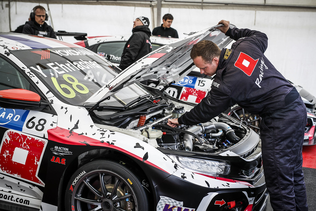 ALL-INKL.COM Munnich Motorsport, Honda Civic TCR, mechanic at work during the 2018 FIA WTCR World Touring Car cup of Nurburgring, Germany from May 10 to 12 - Photo Florent Gooden / DPPI