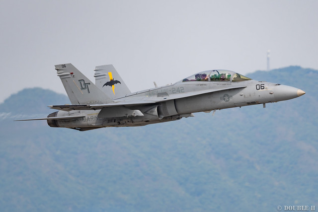Iwakuni FD 2018 (130) VMFA(AW)-242 F/A-18D DT-06/164953
