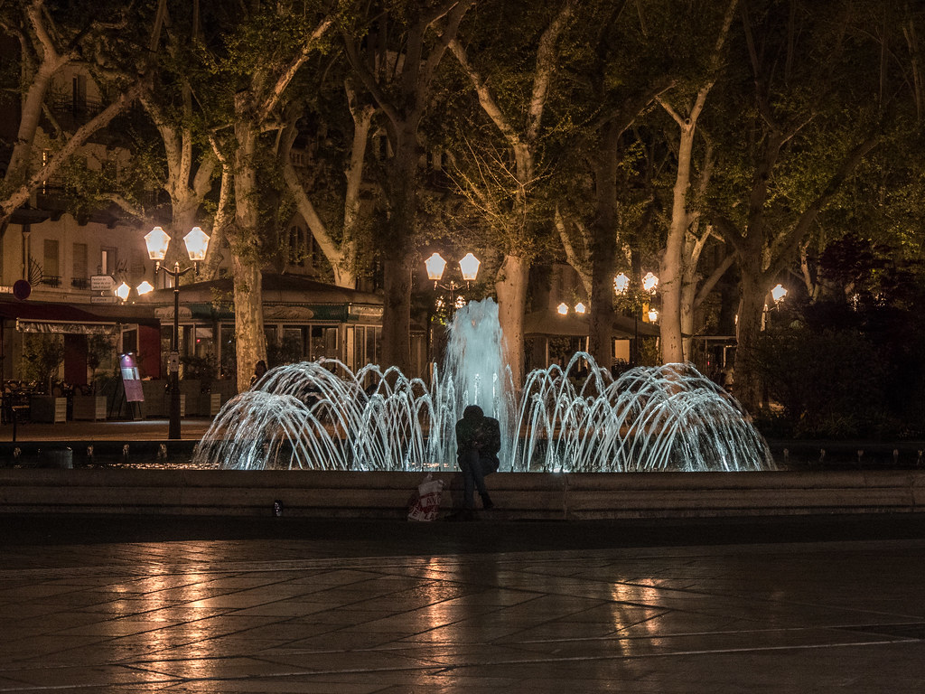 Montpellier : ville d'ombre et de lumière... La suite 27786385538_f9d5c84cf4_b