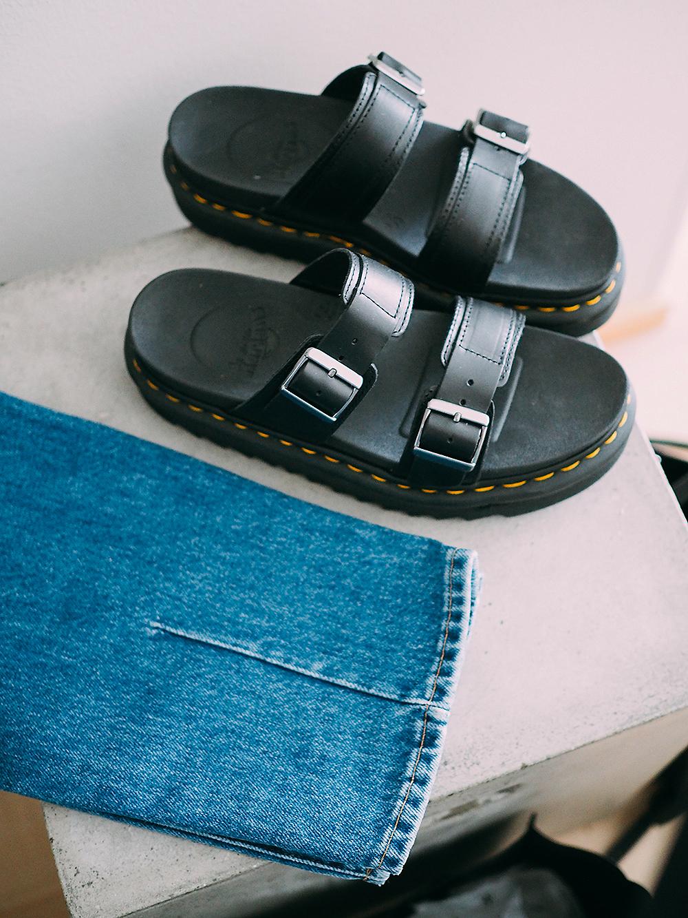 Dr Martens sandaalit