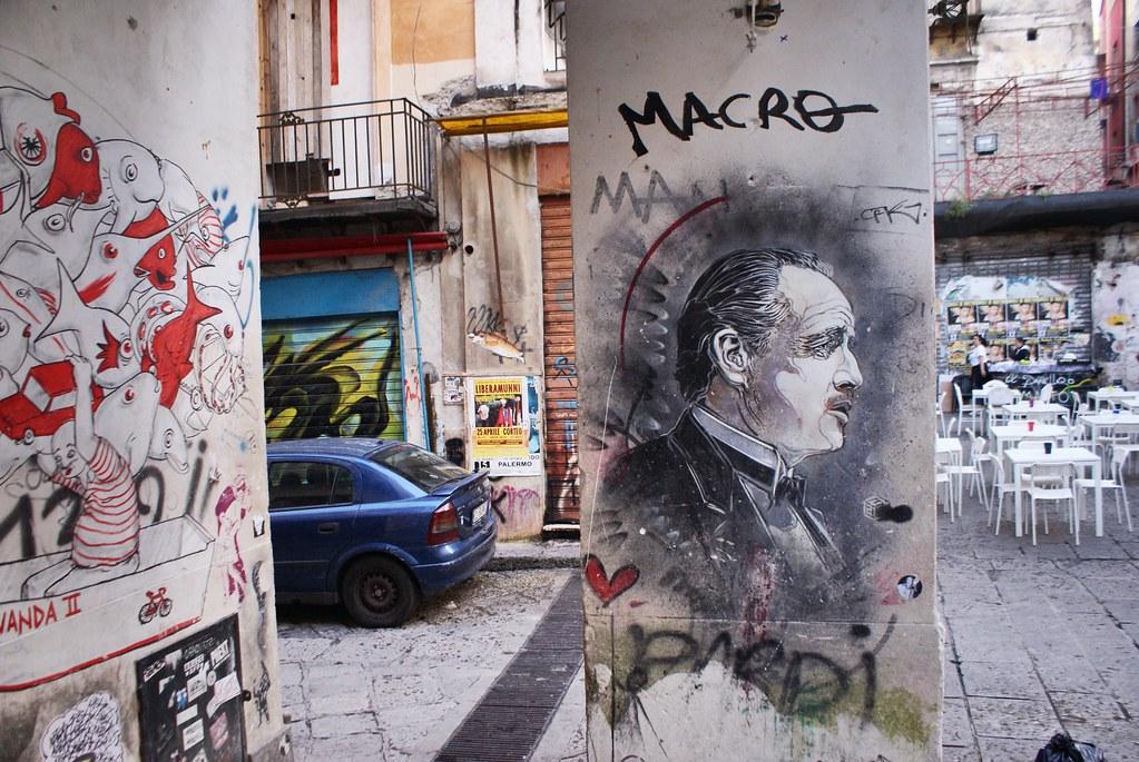 Street Art à Palerme avec Don Corleone près de la Vucciria.