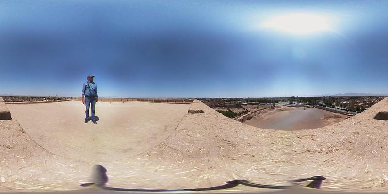 Blick von der Lehmziegelzitadelle auf Meybod