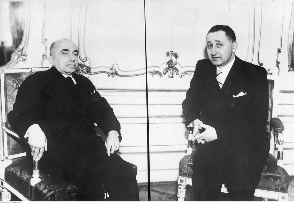 1939. Степан Степанович Клочурак беседует с президентом Протектората Богемия и Моравия Эмилем Гахой