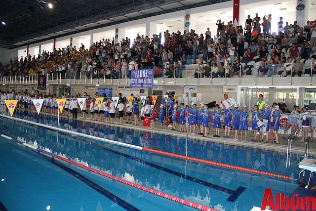 23 Nisan Çocuklar Alanya yüzme yarışı