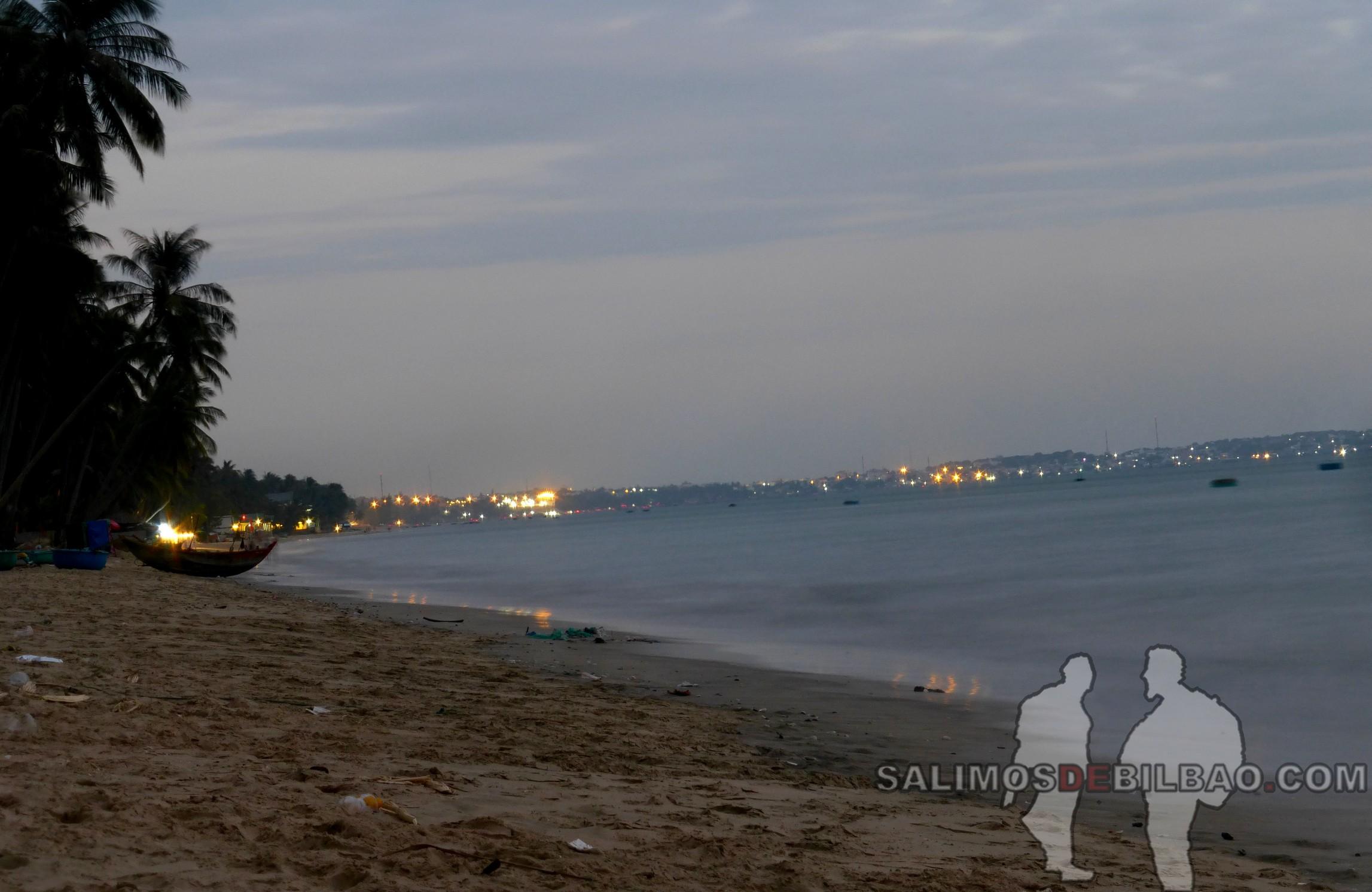 1321. Playa del centro de Mui Ne