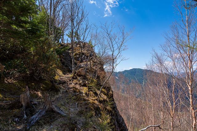 断崖に着けられた登山道