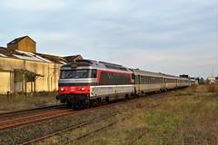 SNCF BB 67606 + Intercités 2025 te Rue - Photo of Regnière-Écluse