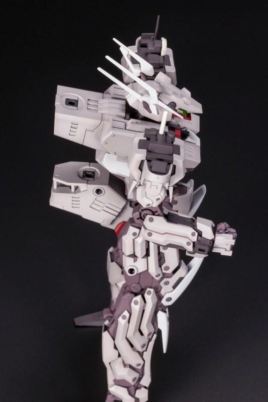 機人型態超帥!變形之後怎麼...!?壽屋《FRAME ARMS 骨裝機兵》金剛 1/100比例組模型