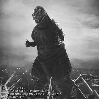 令人類絕望的黑色巨獸終於登場!X-PLUS 東寶大怪獸系列《哥吉拉》哥吉拉(1954)/ 東宝大怪獣シリーズ ゴジラ(1954)