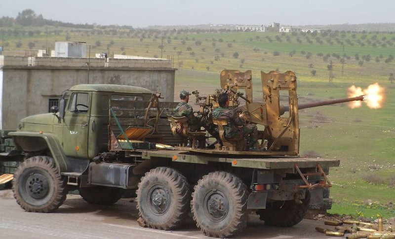 57mm-S-60-truck-loyals-syria-c2015-obl-2