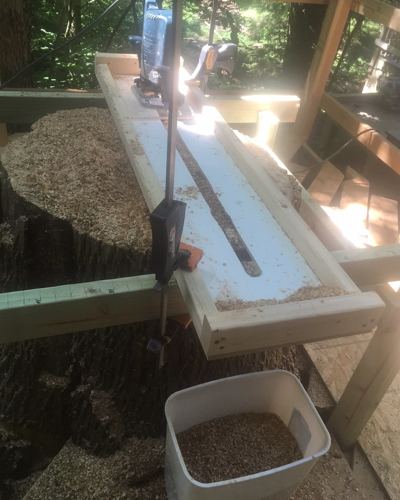 2018-06-15_Router_Table_on_Stump-01