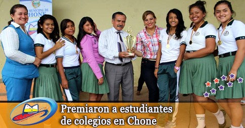 Premiaron a estudiantes de colegios en Chone