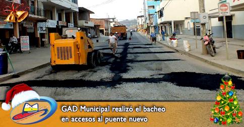 GAD Municipal realizó el bacheo en accesos al puente nuevo