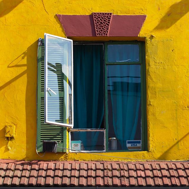 Vibrant Peckham....(Explored...), Canon EOS 5D MARK II, Canon EF 100mm f/2.8 Macro USM